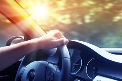 Nguy hiểm 'chết người' khi đi ô tô ngày nắng nóng nếu không biết điều này