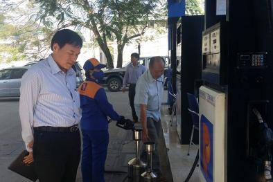 Vẫn có tình trạng bán xăng dầu kém chất lượng cho người dân