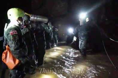 Giải cứu đội bóng Thái Lan: Chiến dịch thứ 3 bắt đầu trong mưa lớn