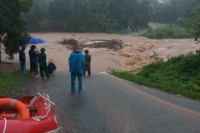 Quảng Ninh: Nước sông dâng cao, Ba Chẽ chìm trong biển nước