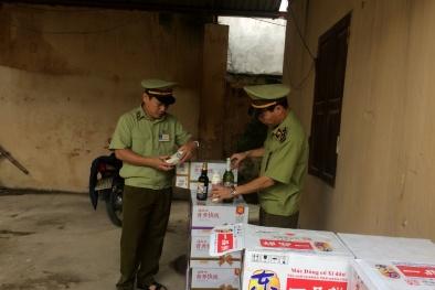 Sữa đóng chai, xì dầu Trung Quốc không rõ nguồn gốc tuồn về Việt Nam tiêu thụ