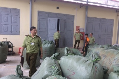 Lượng lớn quần áo giả nhãn hiệu hàng hóa đã được bảo hộ bị tịch thu tại Lạng Sơn
