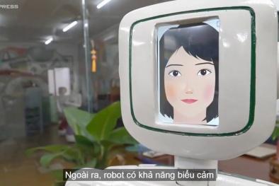 Robot biết giao tiếp, nhảy múa do thầy trò ở TP HCM chế tạo