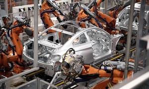 Cận cảnh siêu 'công nhân' robot sản xuất tới 1000 ô tô mỗi ngày
