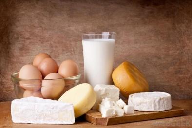 Ấn Độ thu giữ khối lượng lớn sữa và phô mai giả