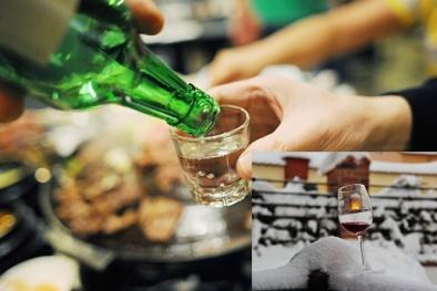 Chuyên gia cảnh báo uống rượu giữ ấm cơ thể vào mùa đông là thói quen sai lầm