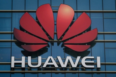 Huawei 'nặng tay' phạt nhân viên đăng tweet chúc mừng năm mới bằng iPhone