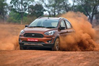 'Phát sốt' 3 chiếc ô tô nhỏ xinh giá chỉ hơn 200 triệu đồng