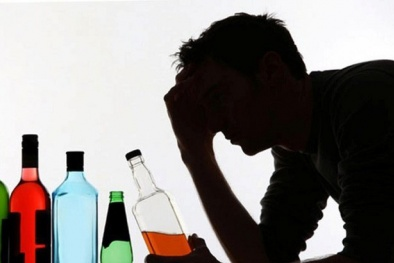 Chuyên gia 'bật mí' cách nhận biết ngộ độc rượu