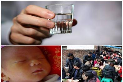 Ông nội uống rượu xong hôn cháu khiến bé trai 1 tháng tuổi dị ứng cồn tử vong