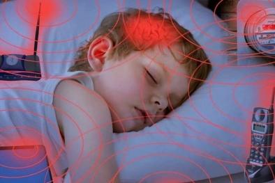 Bức xạ điện từ: 'Kẻ thù' âm thầm, mầm mống gây các bệnh hiểm nghèo