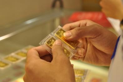 Ngày Valentine trùng ngày Vía Thần Tài: Có nên mua vàng tặng 'nửa kia'?