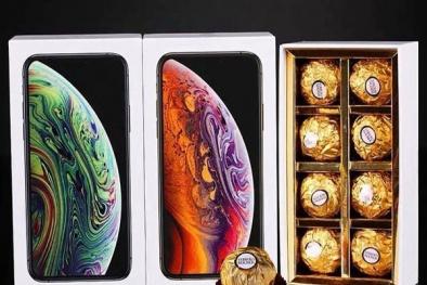 Socola đựng trong iPhone X 'sốt' trên thị trường ngày Valentine