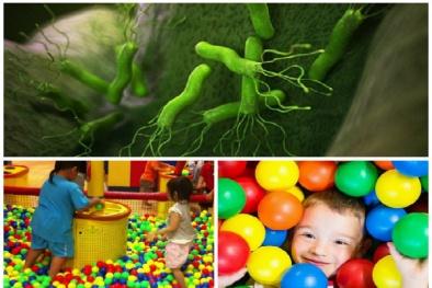 Nhà bóng - ổ vi khuẩn lây loạt bệnh nguy hiểm cho trẻ nhỏ cần tránh