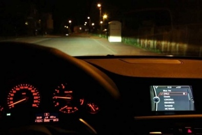 Lắp đèn Halogen cho ô tô nên cân nhắc vì có thể gây nguy hiểm