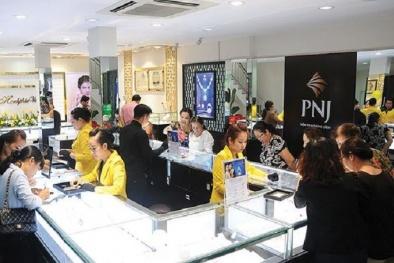 Số tiền thưởng của 18 'sếp lớn' chênh lệch 'khủng' thế nào so với 6.000 nhân viên PNJ?