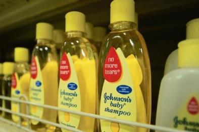 Dầu gội nghi chứa chất gây ung thư: Johnson & Johnson bác bỏ cáo buộc
