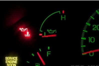 Đèn báo nhớt ô tô sáng nếu bỏ qua nguy hiểm khó lường cho tài xế