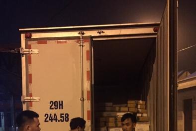 Tóm gọn xe ô tô chở 1,2 tấn thịt gà không rõ nguồn gốc xuất xứ