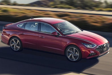 Hyundai Sonata 2020 'so găng' Toyota Camry: Mèo nào cắn mỉu nào?