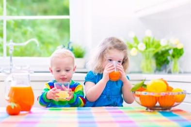 Uống nước trái cây vào buổi sáng, trẻ em dễ mắc bệnh béo phì