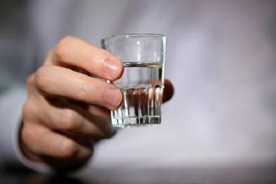 Điều đặn uống một ly rượu mỗi ngày có tốt cho sức khỏe?