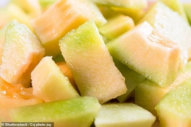 Cảnh báo: Hoa quả gọt sẵn có thể nhiễm khuẩn Salmonella