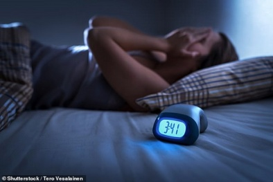 Ngủ nhiều và không đều đặn sẽ tăng nguy cơ béo phì và huyết áp cao