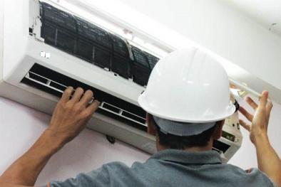'Vạch trần' những cách moi tiền của thợ sửa điều hòa mùa nắng nóng