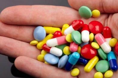 Nguy cơ mắc sỏi thận khi uống quá nhiều thuốc kháng sinh