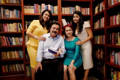 Chuyện tình nhà Dr Thanh: '40 năm cuồng phong bão tố, gia đình mình vẫn mãi bình yên'