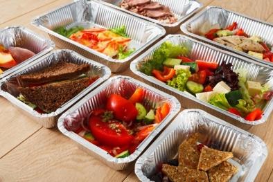 Ổ vi khuẩn tiềm tàng trong thức ăn thừa nên tránh sử dụng