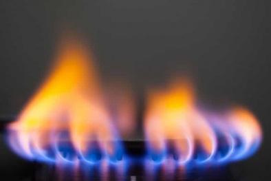 Bếp gas lửa cháy không đều gây tốn gas, thủ thuật khắc phục đơn giản
