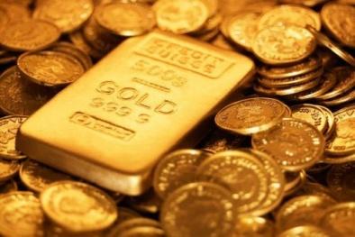 Giá vàng thế giới và trong nước đua nhau 'lao dốc'