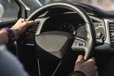 'Đánh cược tính mạng' nếu phớt lờ vô lăng ô tô có dấu hiệu nặng