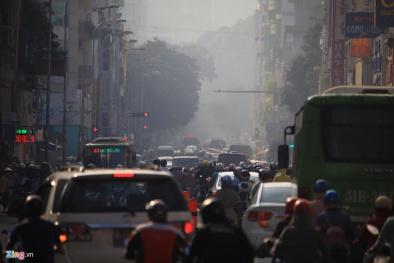 Báo động tình trạng ô nhiễm khí thải phương tiện giao thông ở thành phố lớn