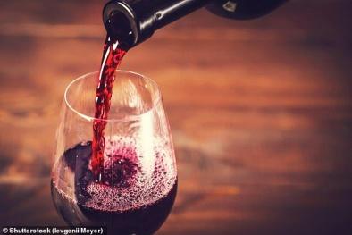 Lượng rượu nhỏ được sử dụng mỗi ngày cũng làm tăng nguy cơ mắc ung thư