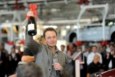 CEO Elon Musk 'bỏ túi' thêm 2,1 tỷ USD nhờ cổ phiếu Tesla