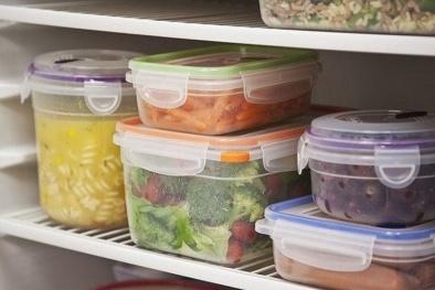 Sử dụng đồ nhựa đựng thức ăn, hiểm họa không ngờ