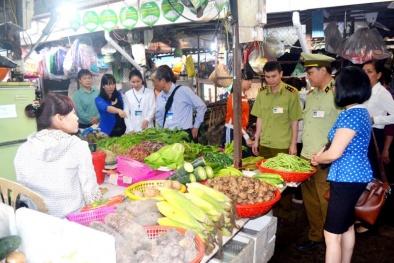 Tăng cường quản lý an toàn thực phẩm nông sản tại các chợ ở Hà Nội