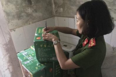 Thu giữ số lượng lớn nguyên liệu trà sữa nhập lậu ở Hà Nội
