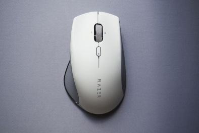 Razer ra mắt chuột không dây Pro Click với thiết kế mới lạ 'Công thái học'