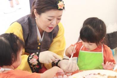 Trung thu Hàn-Việt: Tăng cường giao lưu hai nền văn hóa