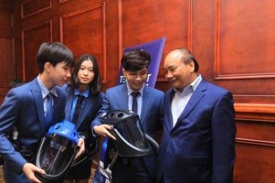 Nhóm nhà sáng chế trẻ Vihelm được Thủ tướng biểu dương tại Techfest Vietnam 2020