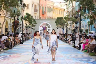 Đẹp hút hồn bức tranh Nam Phú Quốc trong show thời trang Fashion Voyage #3
