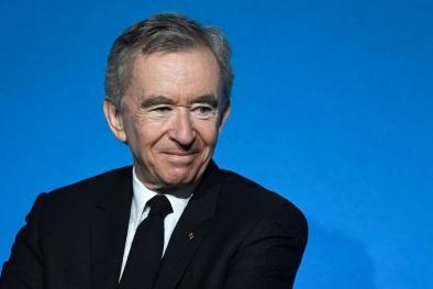 Ông trùm hàng hiệu Bernard Arnault trở thành người giàu nhất thế giới