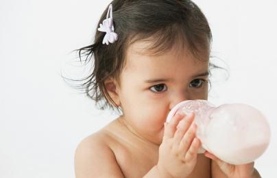 Sữa tươi liệu có an toàn cho trẻ nhỏ?