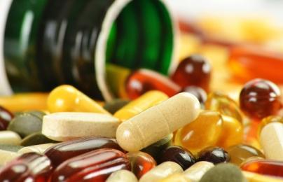Tăng nguy cơ mắc ung thư, bệnh tim khi lạm dụng vitamin