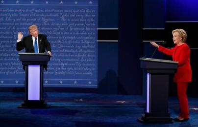 Clip trực tiếp: Trump và Clinton đối đầu nảy lửa trong tranh luận trực tiếp đầu tiên