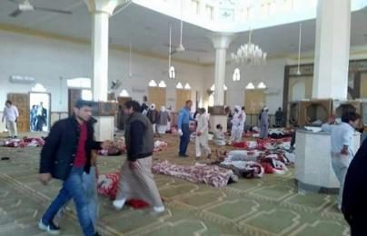 Đánh bom, xả súng đẫm máu ở Ai Cập khiến hàng trăm người thương vong
